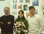 Da sinistra: Vincenzo Balzani, Serena Silvi, Alberto Credi. La dottoressa Silvi tiene in mano un modello dell'ascensore molecolare, ingrandito 100 milioni di volte rispetto alla molecola reale. Credit: A. Credi, UniBo