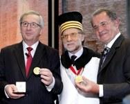 Consegnato a Jean-Claude Juncker, Romano Prodi e Helmut Kohl il Sigillum Magnum dell'Alma Mater - Foto Schiassi