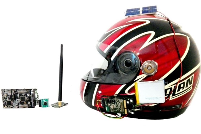 Il casco da moto intelligente
