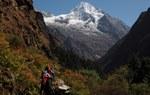 In cammino da Simigaon verso la parte bassa della Rolwaling Valley (2800 m) (Foto di Marco Sazzini)