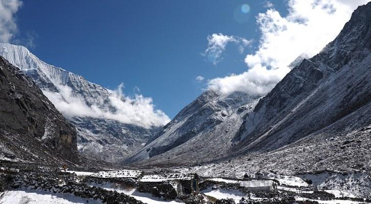 Abitazioni del villaggio Sherpa di Na nell'alta Rolwaling Valley (4200 m) (Foto di Marco Sazzini)