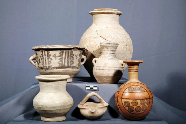 8. Uno dei corredi funerari ritrovati nella necropoli di Yunus (VII secolo a.C.)