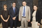 Con il Direttore e la segreteria generale della Nacional Investigación Científica y Tecnológica - CONICYT. Cile