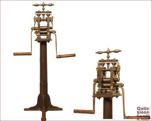 Laminatoio Krupp. Uno dei laminatoi più rari e importanti della Collezione Garuti prodotto dalla ditta tedesca Krupp – Essen - e datato 1855, come indicato nella stampigliatura originale.