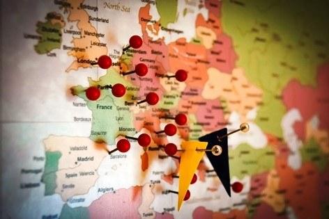 Cartina Con Capitali Europa.L Italia Raddrizzata E La Piccola Europa Le Mappe Distorte Della Nostra Mente Unibomagazine