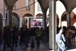 Studenti in Piazza Scaravilli per Piero Angela - Foto di Massimo Matera