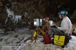 Laserscanner in opera nella Cueva Cressi, la più grande grotta nel sale di Atacama - Foto Riccardo De Luca, La Venta Esplorazioni Geografiche