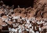 Spesso le grotte si aprono con voragini in mezzo ai pinnacoli di sale - Foto Riccardo De Luca, La Venta Esplorazioni Geografiche