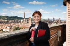 la mia alma mater, ragazza e vista su Bologna